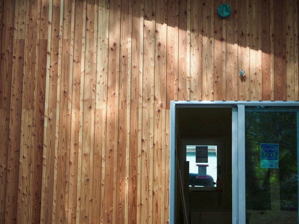 カラマツ外壁